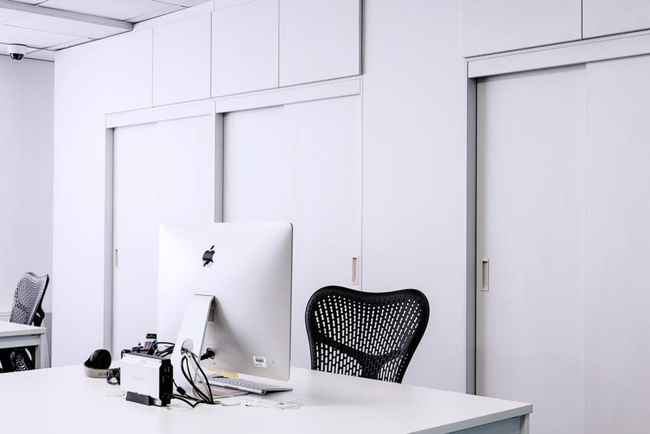 Apple Desktop for London Office Space