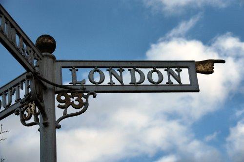 London office market signage