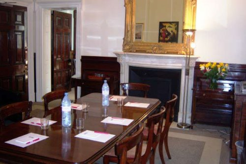More meeting rooms in City of London office space