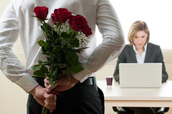 UK Office Workers Find Love in offices in London