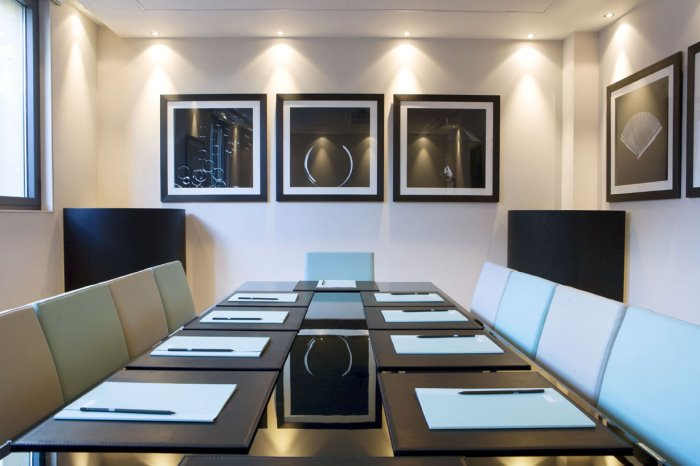Meeting room in Dorset Street office space in Marylebone