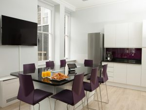 Maple Leaf office for rent in London kitchen