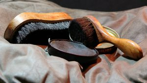Shoe shining service for clients in office space for rent in London