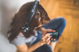 listen to music during London office space breaks