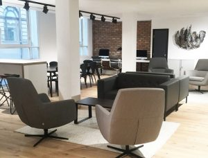 Threadneedle Street London offices to rent break-out space