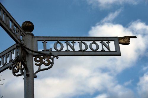 Sign post to London - new office rental in London