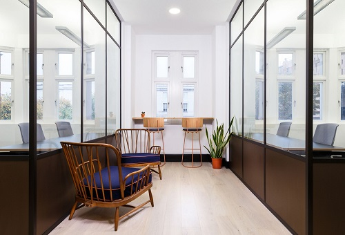 Kreativ House Office Space to Rent in London Entrance